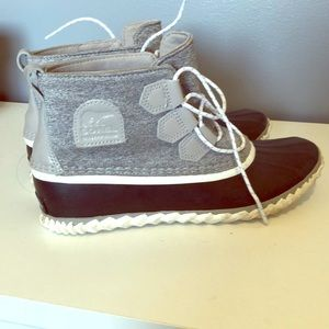 Sorel waterproof booties! 7.5 - worn twice